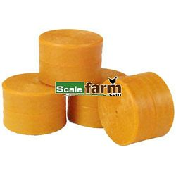 Round Bales - Farmyard Accessories from Britains - 1:32 scale (Britains 40953)