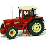 International IH 956XL Tractor - Authentic Farm Model from Britains - 1:32 scale  (Britains 42490)