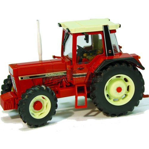 International IH 956XL Tractor (Britains 42490)