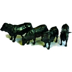 Aberdeen Angus - Farmyard Accessories from Britains - 1:32 scale  (Britains 42704)