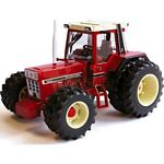 International 956XL Dual Wheel Tractor - Authentic Farm Model from Britains - 1:32 scale  (Britains 42802)