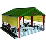 Large Livestock Building - Authentic Farm Model from Britains - 1:32 scale  (Britains 42807)