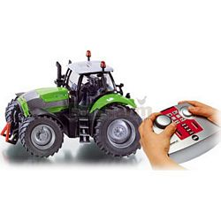 Deutz Fahr Agrotron X720 Tractor with 2.4GHz Remote Control - Remote Control Farm Series from SIKU - 1:32 scale (SIKU 6766/6765)