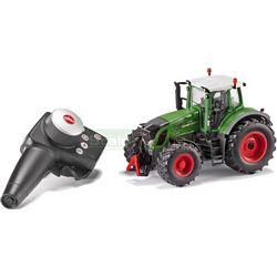 Fendt 939 Radio Controlled Tractor (2.4 GHz with Remote Control Handset) - Remote Control Farm Series from SIKU - 1:32 scale (SIKU 6880)
