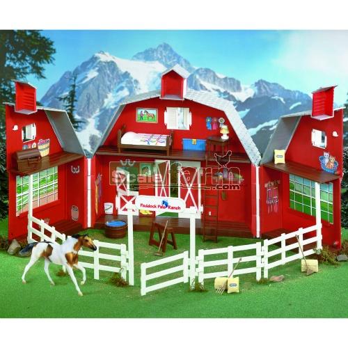 Paddock Apartments: Paddock Pals Ranch Carrying Case