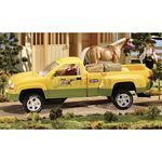 Dually Round Up Pick Up Truck - Green - Breyer Traditional  - 1:9 scale  (Breyer 2612)