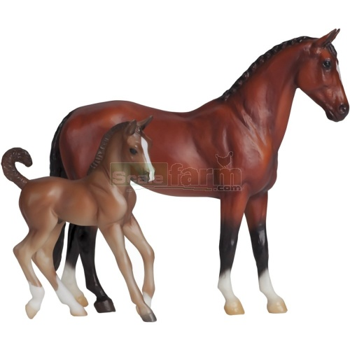Blood Bay Warmblood and Liver Chestnut Foal (Breyer 62033)