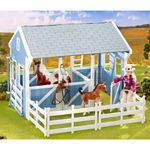 Country Stable with Wash Stall - Breyer Classics - 1:12 scale  (Breyer 699)