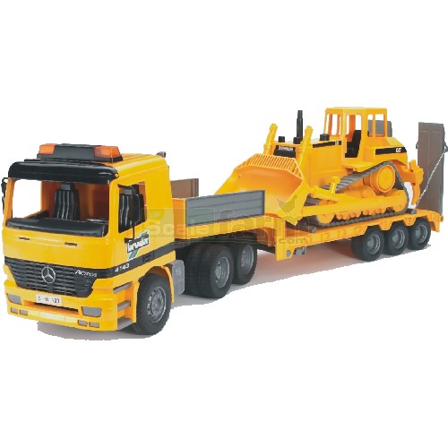 Bruder 02658 mercedes benz actros low loader truck with for Mercedes benz truck toys