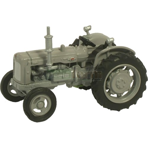 Fordson Tractor - Matt Grey (Oxford 76TRAC004)