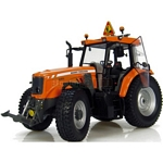 Massey Ferguson 6465 Tractor - Universal Hobbies Country Collection - 1:32 scale  (Universal Hobbies 2938)