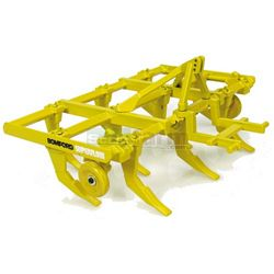 Bomford Superflow Cultivator - Universal Hobbies Country Collection - 1:32 scale (Universal Hobbies 2944)
