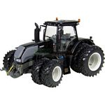 Valtra S353 Double Wheeled Tractor - Universal Hobbies Country Collection - 1:32 scale  (Universal Hobbies 4155)