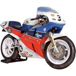 Honda RC30 Joey Dunlop Isle of Man TT F1 Winner - Universal Hobbies Cars - 1:12 scale  (Universal Hobbies 4821)