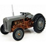 Ferguson FE35 Vintage Tractor (1956) - Universal Hobbies Country Collection - 1:43 scale  (Universal Hobbies 6071)