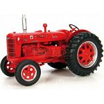 McCormick-Deering IH WD-9 Vintage Tractor (1948) - Universal Hobbies Country Collection - 1:43 scale  (Universal Hobbies 6074)
