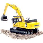 Komatsu PC400 LC Excavator - Universal Hobbies Construction - 1:50 Scale  (Universal Hobbies 8026)