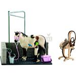 Horse Wash Area with Horse and Stable Girl (Schleich 42104)
