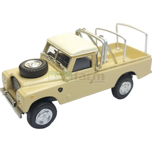 Land Rover S3 109 Open Top - Cream (Cararama 7-52290)