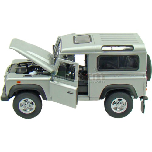 Land Rover Defender - Silver (Wellly 22498)
