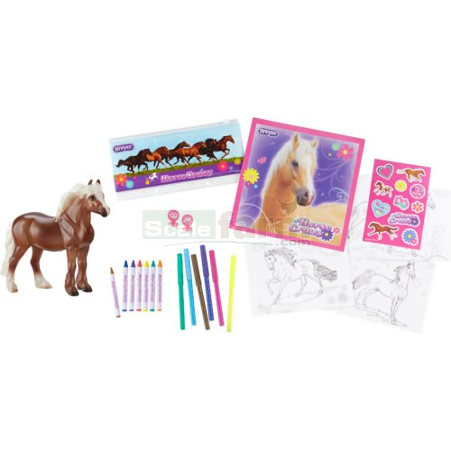Stablemates Horse Crazy Real Horse Activity Set (Breyer 100180)