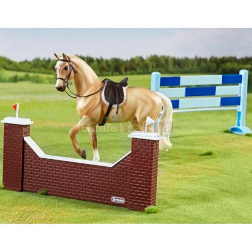 Show Jumping Horse and Jumps Set (Breyer 61090)